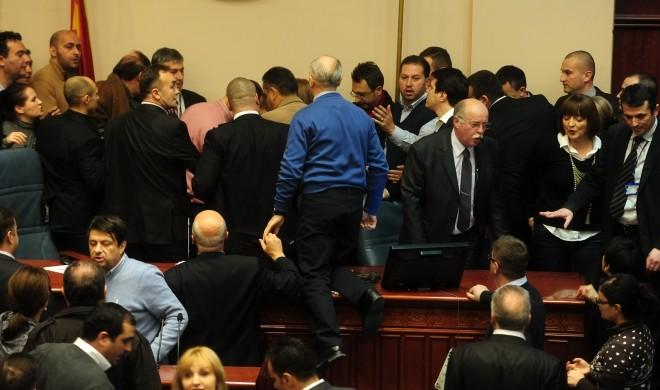 24-dekemvri-2012-godina-sdsm-praveshe-incidenti-zaev-pazareshe-vila-vo-grcija-249315