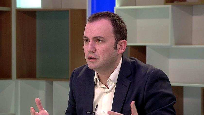 НЕОПХОДЕН Е МАКЕДОНСКО АЛБАНСКИ КОНСЕНЗУС  Решавањето на овие прашања ќе ја води Македонија напред