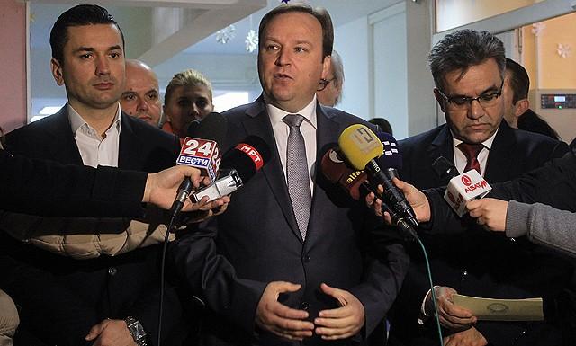 logichno-e-pobednik-so-pobednik-da-sostavi-vlada-premierot-dimitriev-potvrdi-deka-pregovorite-se-vo-tek