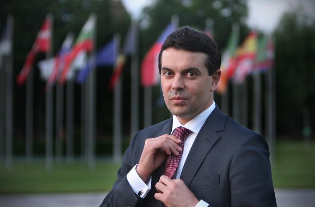 НИКОЛА ПОПОСКИ СТАВИ ТОЧКА ВО ОСТРА РЕАКЦИЈА ДО АЛБАНСКИОТ МНР  Ние сме Македонци и ништо повеќе и ништо помалку