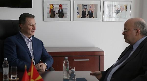 СРЕДБА ГРУЕВСКИ ЈАНАКАКИС  Лидерот на ВМРО ДПМНЕ се сретна со амбасадорот на Република Грција