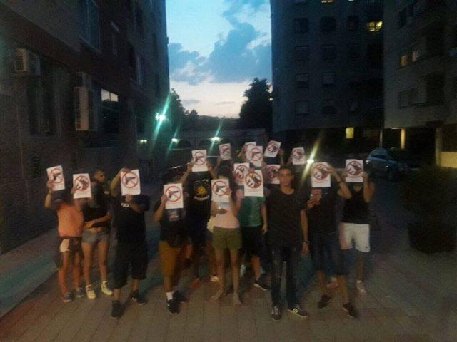 МИРЕН ПРОТЕСТ ПРЕД МВР  ПРОТИВ ПОЛИЦИСКАТА БРУТАЛНОСТ  Младите бараат одговорност од Спасовски и санкции за полицаецот