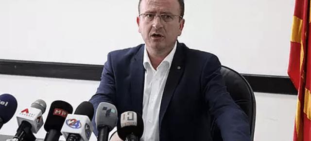 ЦИВИЛИЗАЦИСКИ ПРИНЦИПИ ВАЖАТ САМО ЗА ВМРО ДПМНЕ  Арбен Таравари ем министер  ем кандидат за градоначалник   Бејли го нема да соли памет