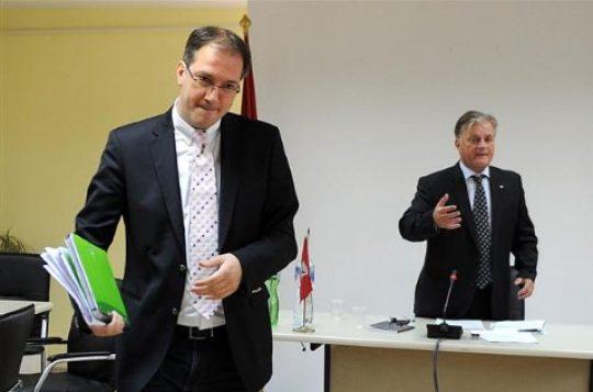 ПРВО ОБЈАВИЈА ДЕКА Е КРИМИНАЛЕЦ  ПА ГО УНАПРЕДИЈА  Андреј Жерновски министер без ресор кај Заев во влада