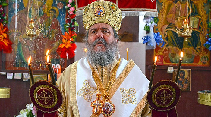 СВОЈ НА СВОЕТО И ЕДИНСТВЕН ВО МПЦ  Само владиката Агатангел против барањето Бугарската црква да биде црква мајка на МПЦ ОА