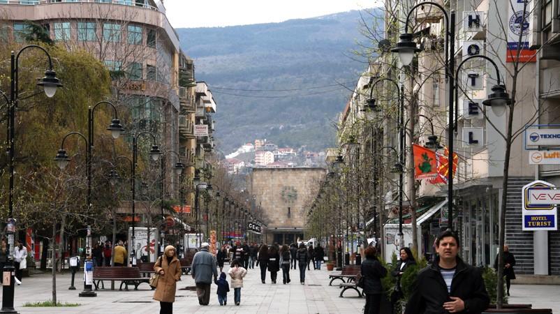 ВМРО ДПМНЕ ВОДИ НА СИТЕ АНКЕТИ  Според анкетата на  Павел Шатев  ВМРО ДПМНЕ води со солидна предност