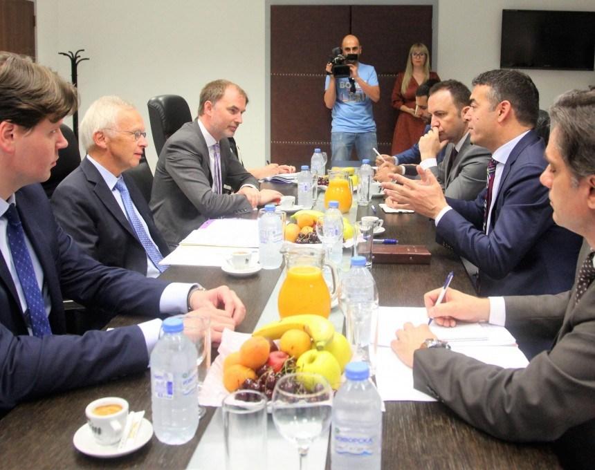 СЕГА ПРИБЕ НЕ ЧИНИ  Заев и владата влегуваат во директен судир со Прибе и ЕУ