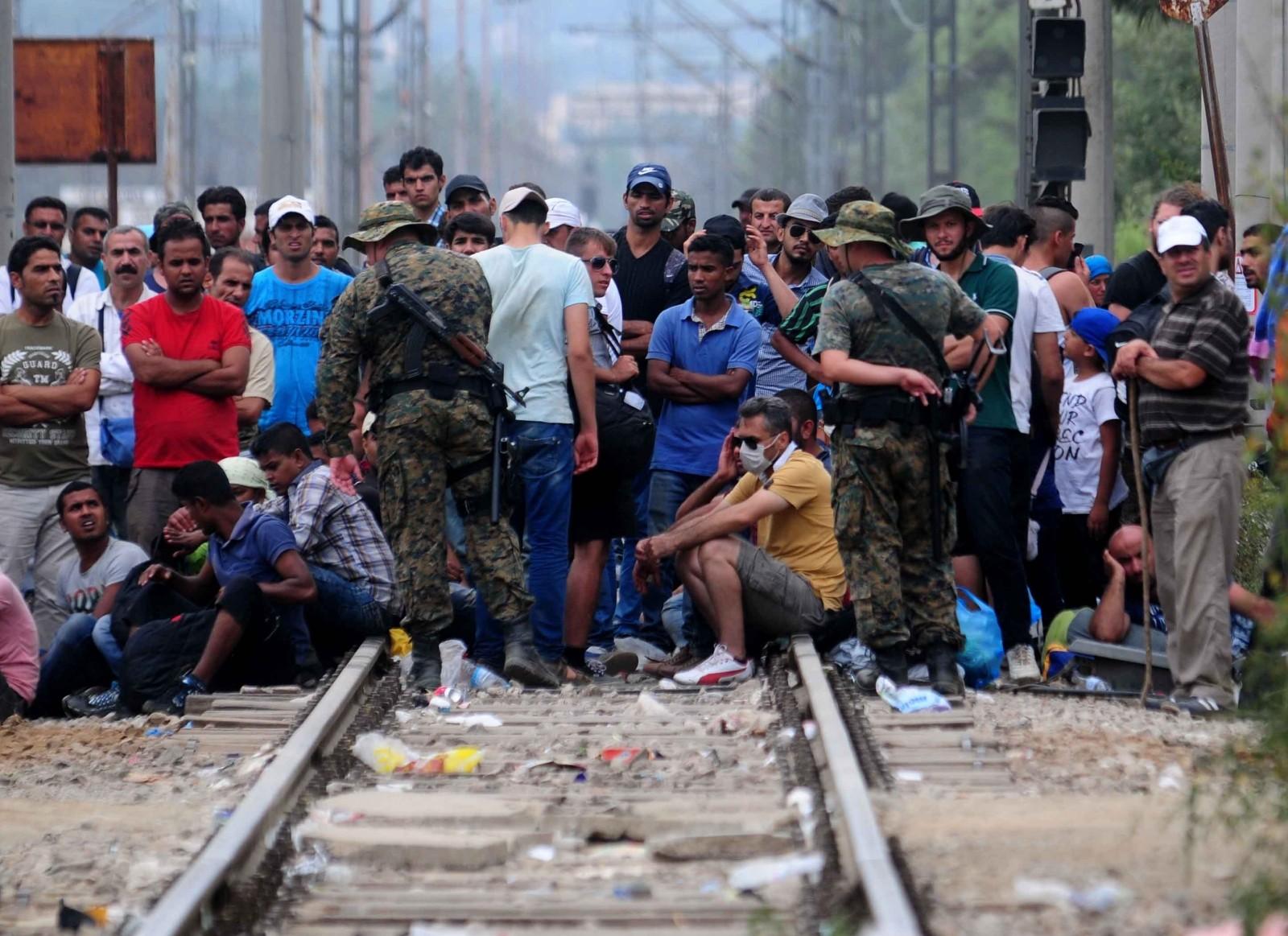 ЌЕ СЕ ГРАДАТ МИГРАНТСКИ НАСЕЛБИ  Заев ја подготвува Македонија за населување на мигранти