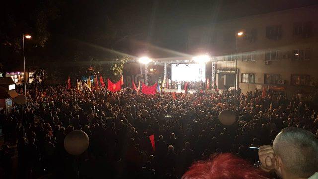 ВЕЛЕС СЕ  РЕШАВА  ВО ПРВ КРУГ  Масовна поддршка за Чадиев и ВМРО ДПМНЕ на митингот во Велес