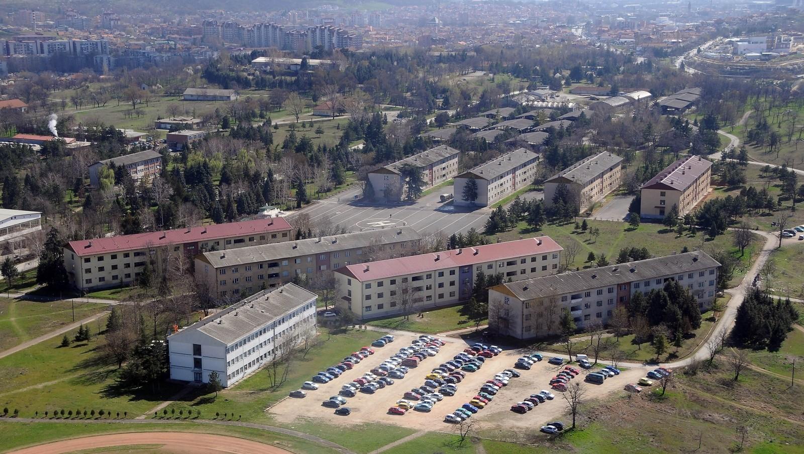 ПРАВЕЛ СКИЦИ И ЗАБЕЛЕЖУВАЛ ВОЕНИ ДЕЈСТВИЈА  Косовар уапсен кај касарната  Илинден  во Скопје  правел детални скици и забележувал борбени дејстивија
