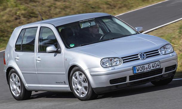 ПОСКАПУВА РЕГИСТРАЦИЈАТА НА АВТОМОБИЛИ  Поскапа регистрација за постарите автомобили