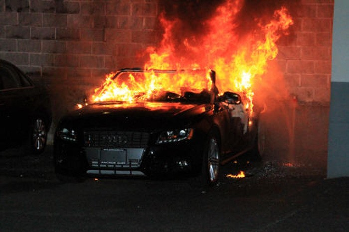 mu-go-zapalile-avtomobilot-pred-kuka-kumanovec-ostana-bez-svoeto-audi-otkako-nepoznati-lica-mu-go-zapalile