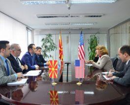 БУЈАР ОСМАНИ НЕ ПРОГЛАСИ ЗА НЕСПОСОБНИ: Ако не беше САД, Македонија немаше да постигне ништо – Американците се заслужни за се!