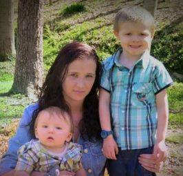 ТАЖНА МАЈКА ПРЕДУПРЕДУВА: Поради зачин кој сите го имаме дома го загубив мојот син