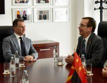 СРЕДБА БЕЈЛИ-ГРУЕВСКИ: Амбасадорот на САД во Македонија оствари средба со лидерот на ВМРО-ДПМНЕ