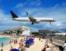 (Видео) Загина жена на познатата плажа што се наоѓа до писта на Карибите