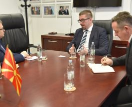 СРЕДБА МИЦКОСКИ – ТИМОНИЕ: Претседателот на ВМРО-ДПМНЕ се сретна со Францускиот амбасадор во земјава