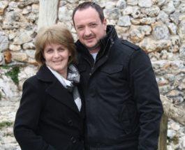 СРЦЕ ДА ТИ ПУКНЕ: По 10 години потрага, Ѓоко Танески ја гушна сестра си оставена во Дом за сираци