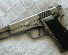 """КРАЈ НА ЕДНА ЕРА: Најпопуларниот пиштол на """"Браунинг"""" прекинува со производство"""