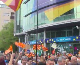(Во живо)ГРМИ ПРЕД СЕДИШТЕТО НА ЕУ: Не во ЕУ! Референдум за влез во ЕУ и НАТО!