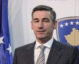 ЧЕСТИТКИ ЗА ДВОЈАЗИЧНОСТА ОД КОСОВО: Претседателот на собранието во таканаречената држава Косово честитше двојазичност!