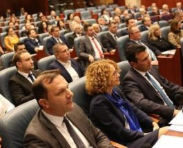СДСМ  СО ОБИД ЗА ПУЧ ВО СОБРАНИЕ: Сака да избере спикер кој ја нема отфрлено и осудено Тиранската платформа- спротивно од барањата на граѓаните