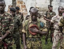 ЗА КРАЈ НА ВЕРСКАТА ВОЈНА: Русија бесплатно ги вооружува христијаните во Централноафриканската Република