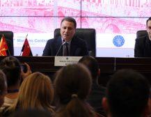 ГРУЕВСКИ ЗБОРУВАШЕ НА АКАДЕМИЈАТА ЗА МЛАДИ ЛИДЕРИ: Нашиот фокус да ја трансформираме македонската економија со инвестиции донесе конкретни резултати!