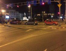 БЛОКАДИ НИЗ СКОПЈЕ: ВМРО-ДПМНЕ од 15 часот ќе ги блокира крстосниците во Скопје!