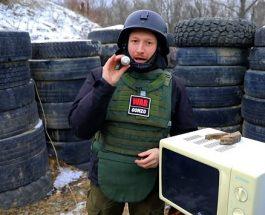 (Видео)СТАВИ ГРАНАТА ВО МИКРОБРАНОВА ПЕЧКА: Луд Русин со уште полуд експеримент – не го правете ова дома!
