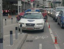 СКОПЈЕ ДОБИ ШЕРИФ: А шерифот, вака се паркира…