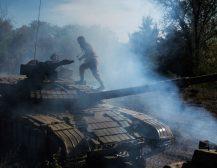УКРАИНА КОРИСТЕЛА ХЕМИСКО ОРУЖЈЕ: Украински војник сака да сведочи пред Трамп дека во Донбас украинската војска користела хемиско оружје
