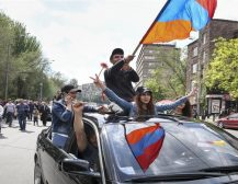 ЕРМЕНСКИОТ ПРЕТСЕДАТЕЛ СИ ПОДНЕСЕ ОСТАВКА: По масовните протести и најавата за украинско сценарио, претседателот се повлече