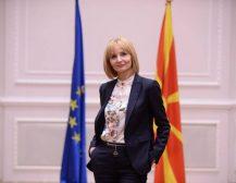 АРНИ СТЕ, КАКО ОВОШКИТЕ: Како Ленче Николовска се грижи за земјоделците во Македонија!