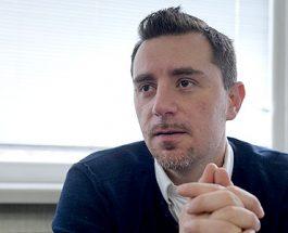 ПРИТИСОЦИТЕ ВРЗ ИВАНОВ СЕ ПОГОЛЕМИ: Бобан Нонковиќ открива шема на притисоци врз Иванов од страна на Клинтонови!