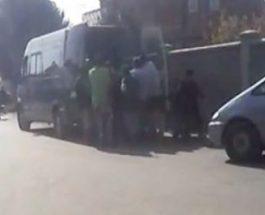 (Видео)ФАТЕНИ НА ДЕЛО И СНИМЕНИ: Еве како СДС поткупува граѓани во ромското маало во Штип, додека полицијата ги чува!