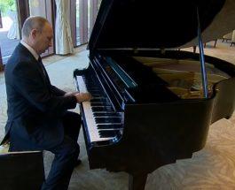 ПУТИН ОТСВИРИ ДВЕ РУСКИ ПЕСНИ: Пред состанокот со кинескот претседател Путин свиреше на пијано