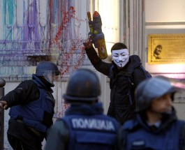 "ЧЛЕНОВИТЕ НА СДС НЕЗАДОВОЛНИ: Членовите оставени на улица без работа, вработени незаслужни и ""сончогледи""!"