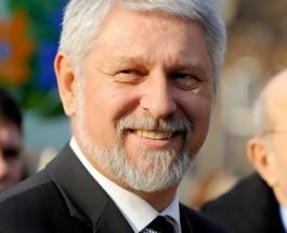 КОЛУМНА НА СТЕВЧО ЈАКИМОВСКИ: Руски канцер во американска метастаза!