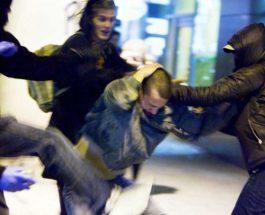 """ГОЛЕМА ТЕПАЧКА ВО ЧАИР: Навивачи на """"Шкупи"""" нападнале навивачи и играчи на """"Пелистер"""""""