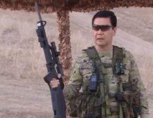 (Видео)ПУКА, ФРЛА НОЖЕВИ, ДАВА КОМАНДИ: Запознајте го Туркменистанскиот претседател!